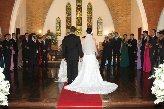casamento_noivo_noiva_altar